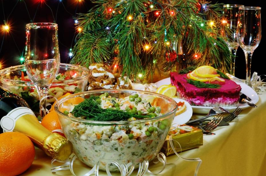 Аналитики «Перекрестка» назвали самые популярные среди россиян продукты для новогоднего стола