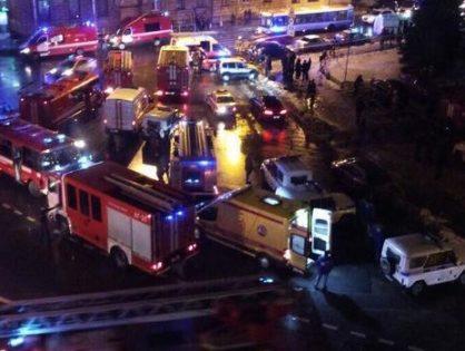 В «Перекрестке» в Санкт-Петербурге произошел взрыв, есть пострадавшие