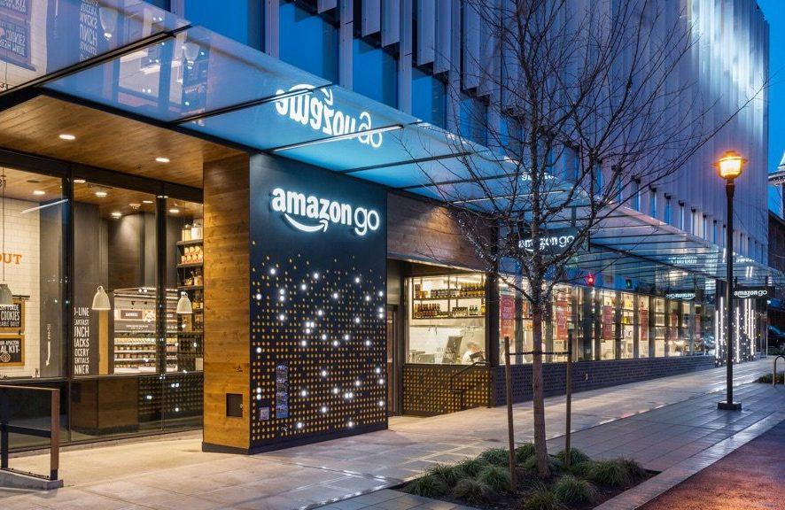 Amazon открывает первый в мире магазин без касс и продавцов