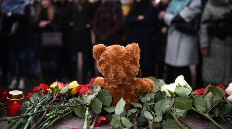 После пожара в Кемерово в России объявлен национальный траур