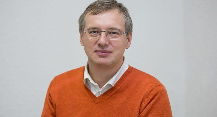 Президент DNS Дмитрий Алексеев в прямом эфире ответил на вопросы зрителей