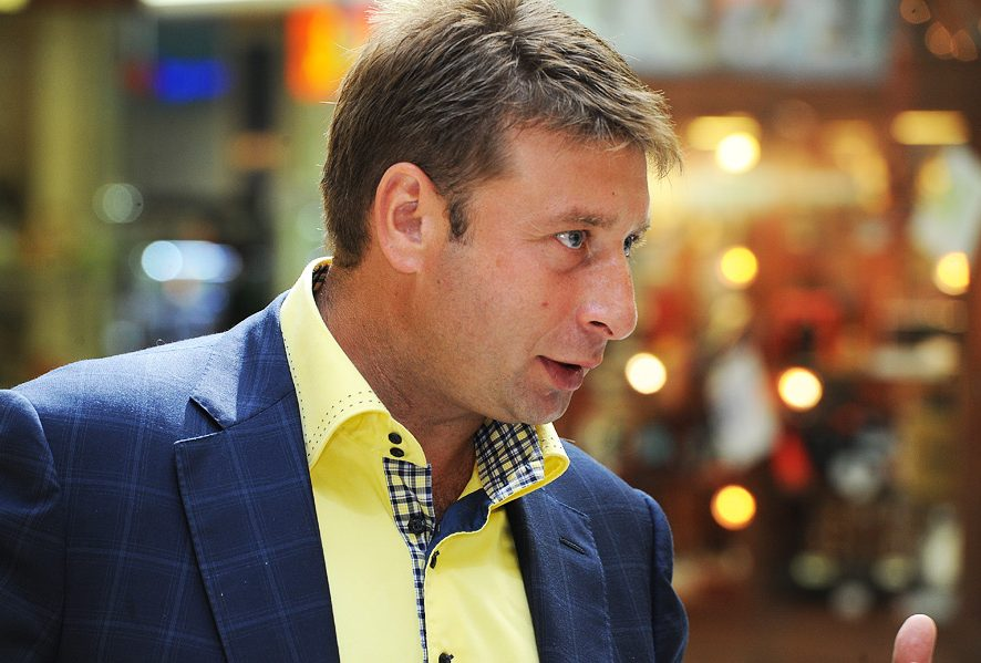 Сооснователь SELA и владелец Grondard Аркадий Пекаревский в прямом эфире ответил на вопросы зрителей