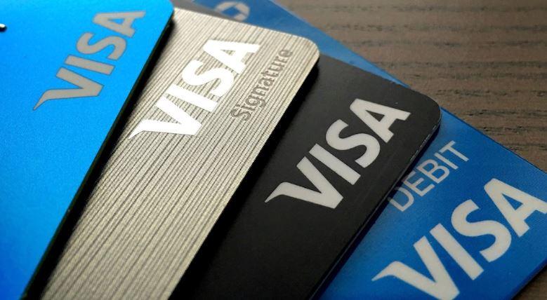 Visa весной запустит снятие наличных с карт на кассах магазинов
