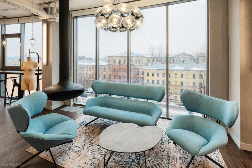 19fb12c19ace2 Штаб-квартира компании расположена в историческом здании на 10-й  Красноармейской улице в Санкт-Петербурге, где Melon Fshion Group занимает  5500 кв. м на ...