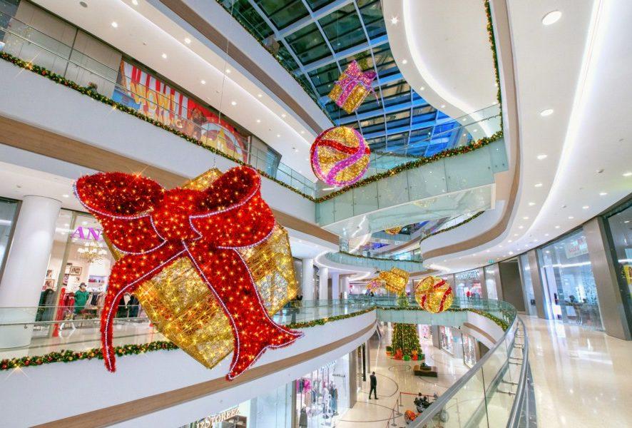 Как внешние события могут влиять на посещаемость торгового центра