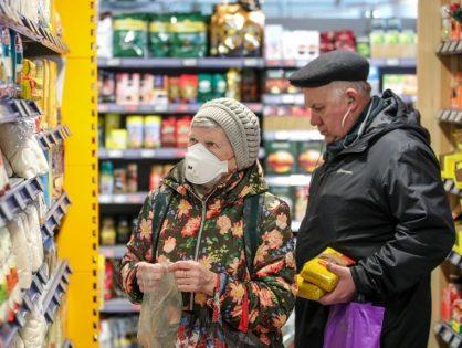 Магазинам разрешили не обслуживать на кассе покупателей без масок