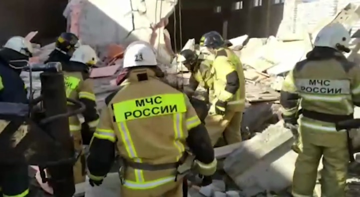 На стройке торгового центра в Кировской области обрушились перекрытия. Есть погибшие