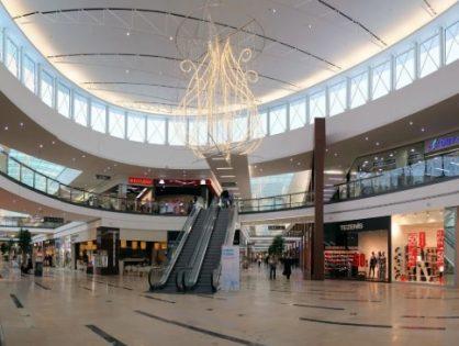 Почти треть торговых центров в России до сих пор не открылись