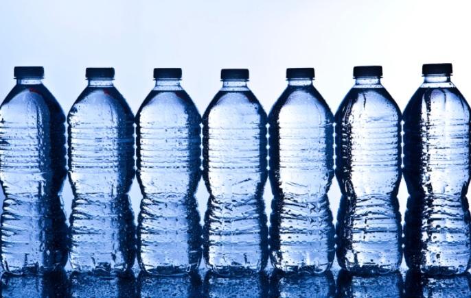 Минпромторг намерен запустить маркировку воды в мае 2021 года