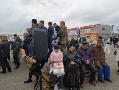 Сотни продавцов вышли на митинг под Ростовом-на-Дону после закрытия трех крупных рынков